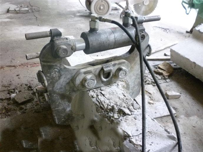 石家庄混凝土切割公司|绳锯切割液压设备租赁